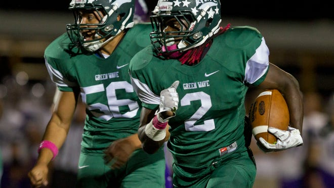 Long Branch, led by tailback Dahmiere Willis (No. 2), is one of the favorites in the NJSIAA Central Group III playoffs.