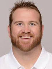 Kyle DeVan, former Colts' offensive lineman, will coach