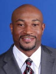 Dixon will return as defensive coordinator
