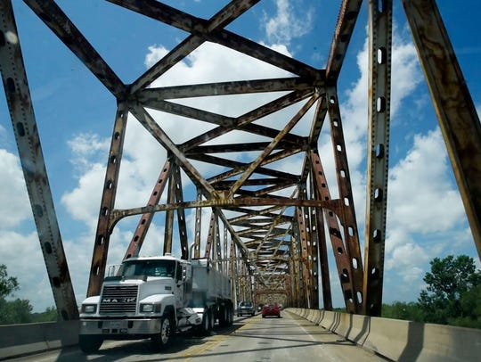 The Jimmie Davis Bridge connects Bossier City and Shreveport
