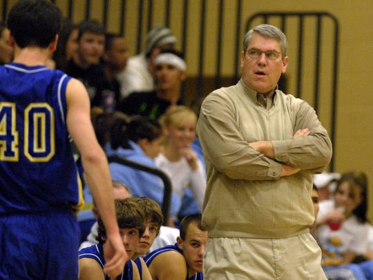 Reed coach Paul Gray coaches in 2008.