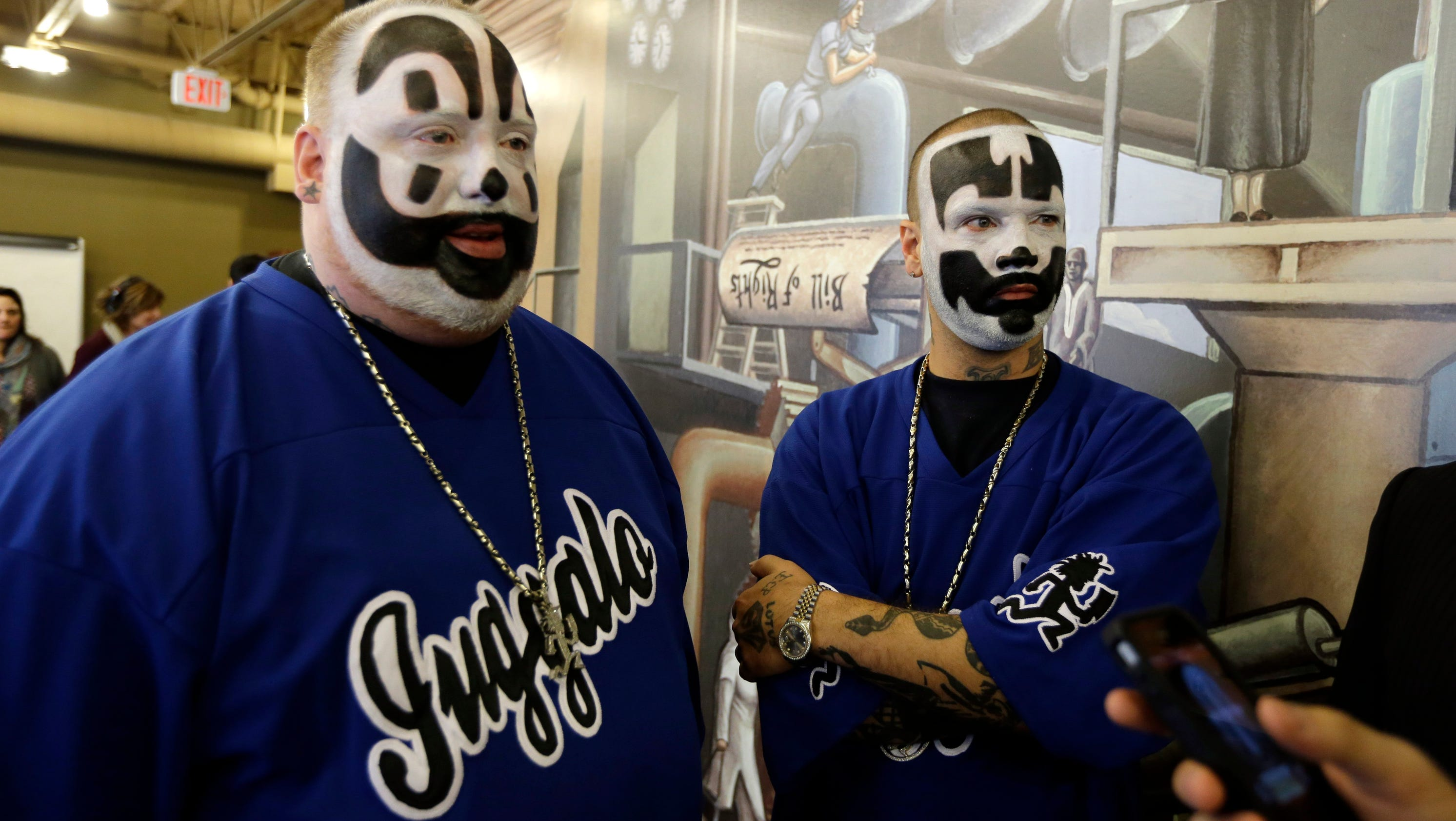 insane clown posse dating Letra de 'dating game' de insane clown posse (host intro), let's meet contestant #1, he's a schitzophrenic serial killer aquí encontrarás la letra completa de dating game interpretada.