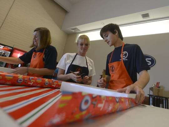 Escambia High Band Gift Wrapping 3