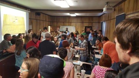 Students crowd into Professor Daniel Browning's last class.