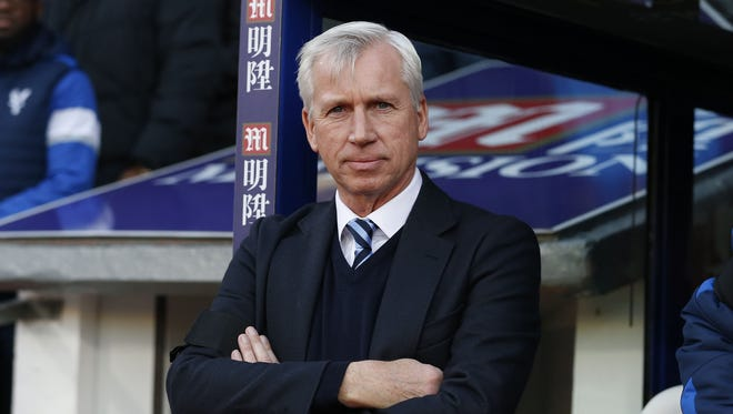 Former Crystal Palace's English manager Alan Pardew.