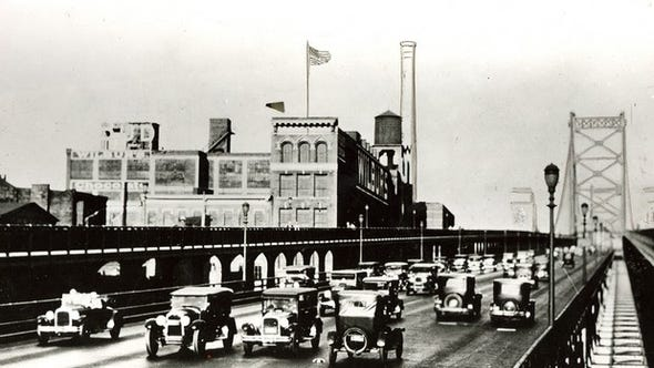 Historical images of the Ben Franklin Bridge from the