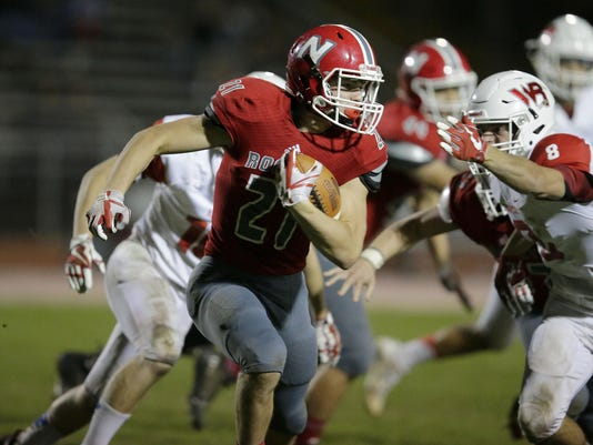 APC_Neenah Rapids football_102017_rbp1739