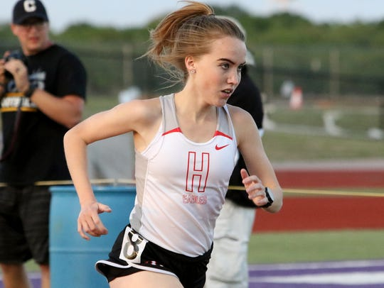 Holliday's Leah Bullinger competes in the 3A 1600 meter
