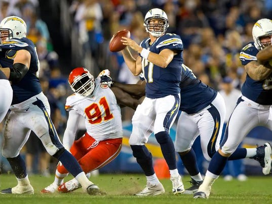 sportsfbn-chiefs-chargers13kc.jpg