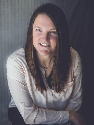 Liz Szilagyi, challenger.