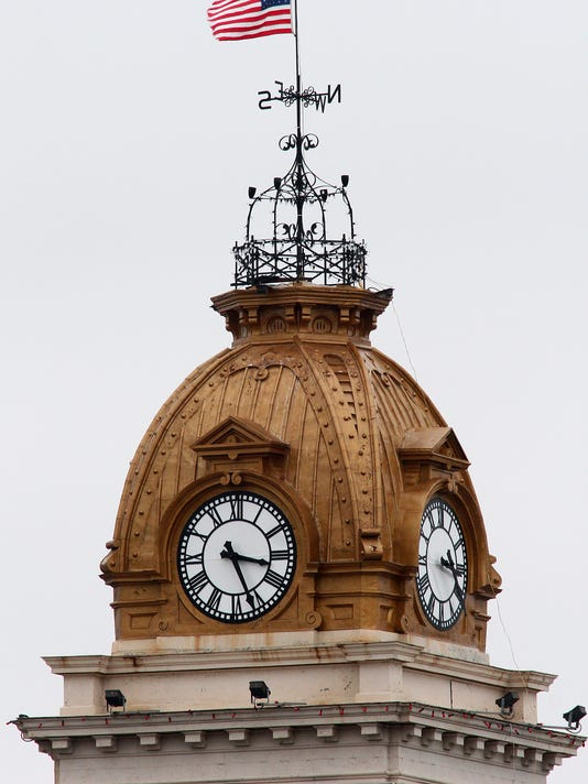 new 121914 courthouse clocks 01ml.jpg