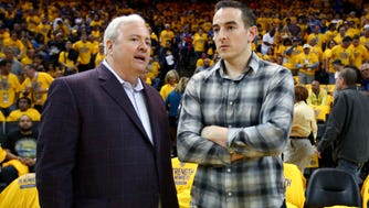 Memphis Grizzlies general manager Chris Wallace (left, with controlling owner Robert Pera) is betting a healthier roster can compete with any Western Conference team that made upgrades through trades.