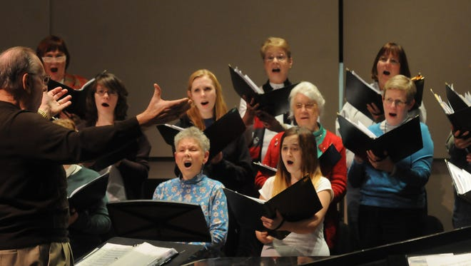 Peninsula Singers, under the direction of Merle Colburn, will perform this weekend.