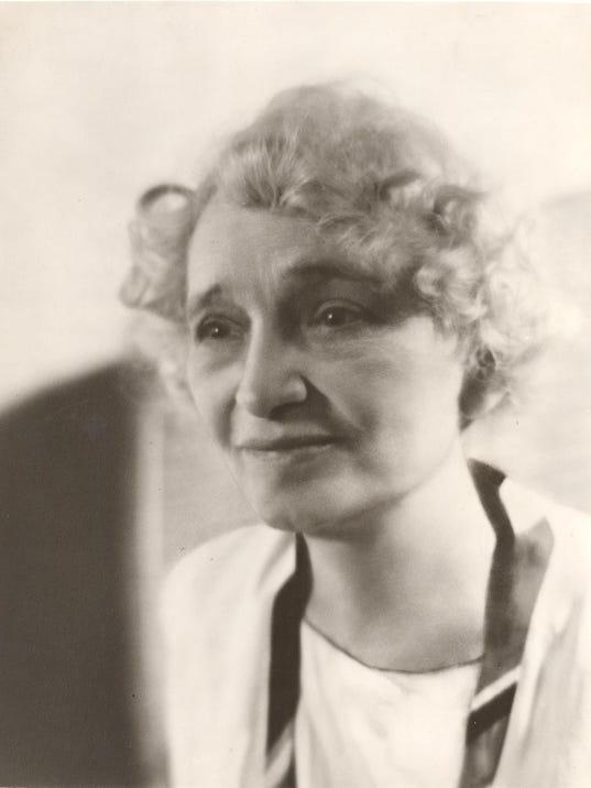 Olive Tilford Dargan Aug 1948 file foto