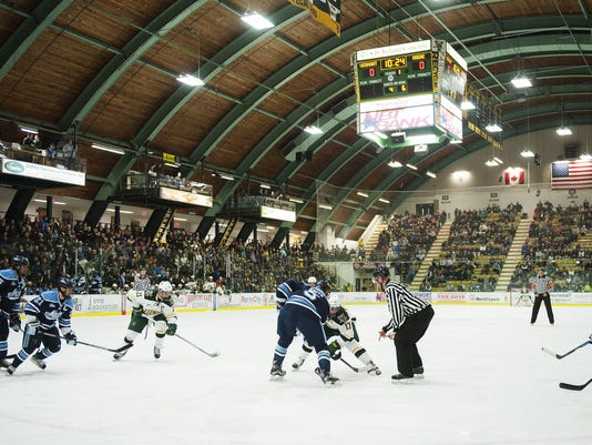 Maine vs. Vermont Men's Hockey 11/18/16