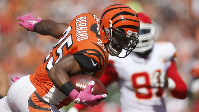 Bengals running back Giovani Bernard leaps into the end zone on a 13-yard touchdown run in the second quarter.