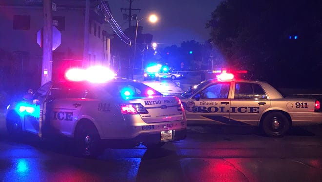 LMPD responding to a report of a homicide at the 800 block of south 26th Street.
