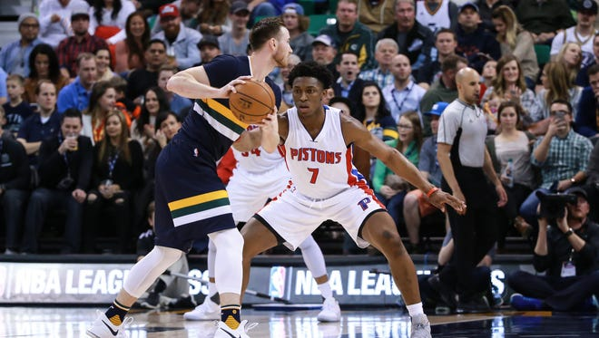 Jan 13, 2017; Salt Lake City, UT, USA; Pistons forward Stanley Johnson defends Utah Jazz forward Gordon Hayward during the second quarter at Vivint Smart Home Arena.