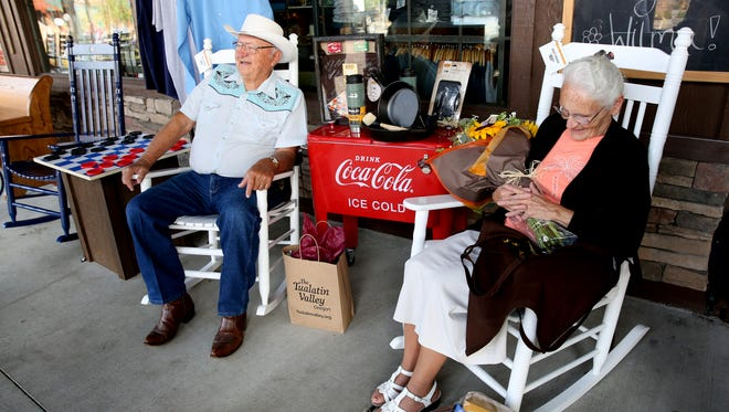 Ray and Wilma Yoder, both 81, visit their 645th Cracker Barrel store in Tualatin, Ore., on Monday, Aug. 28, 2017. The Indiana couple has traveled to every Cracker Barrel in the country over the past 40 years.