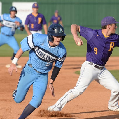 Hayden Waxley makes his way to third to load the bases