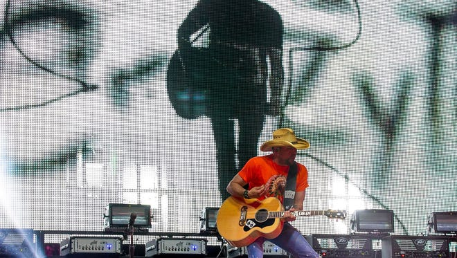 Jason Aldean performs in the Mane stage during Stagecoach California's Country Music Festival held at Empire Polo Club in Indio on Saturday, April 26, 2014.