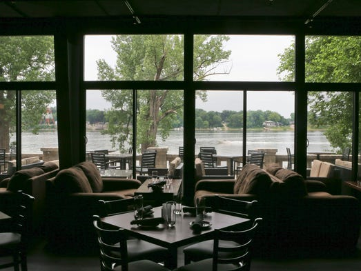 John Varanese's River House Restaurant and Raw bar has room to improve | Review