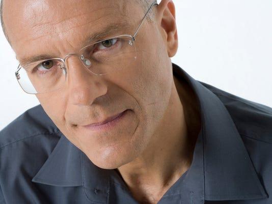 Man wearing eyeglasses, portrait