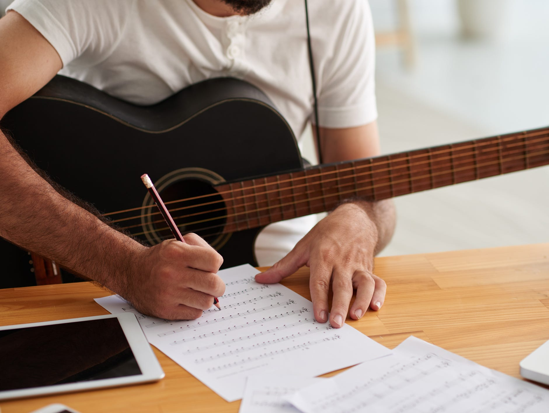 A four-week course for songwriters taught by a Nashville industry professional and recording artist.