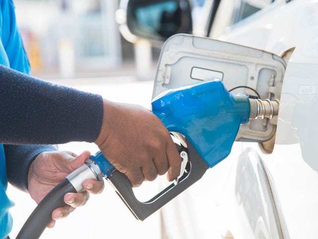 0b787b02594 How can I save money on gas? Follow these tips