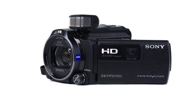 The Sony HDR-PJ790V takes most of its cues from its predecessors. The lens, image sensor, and more remained unchanged in this updated model.