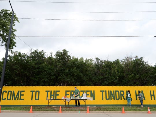 Packer fence
