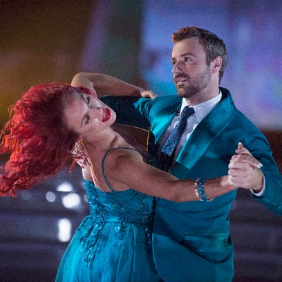 Hinchcliffe too tired to stand … and ready for more DWTS