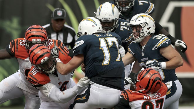 Bengals defensive tackle Geno Atkins tallies a sack near the goal line in the fourth quarter.