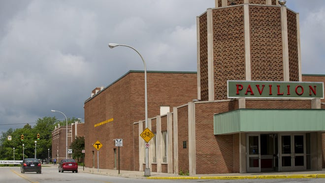 The McMorran Authority is recommending the city of Port Huron sell the pavilion, tower and a parking lot to St. Clair County Community College.