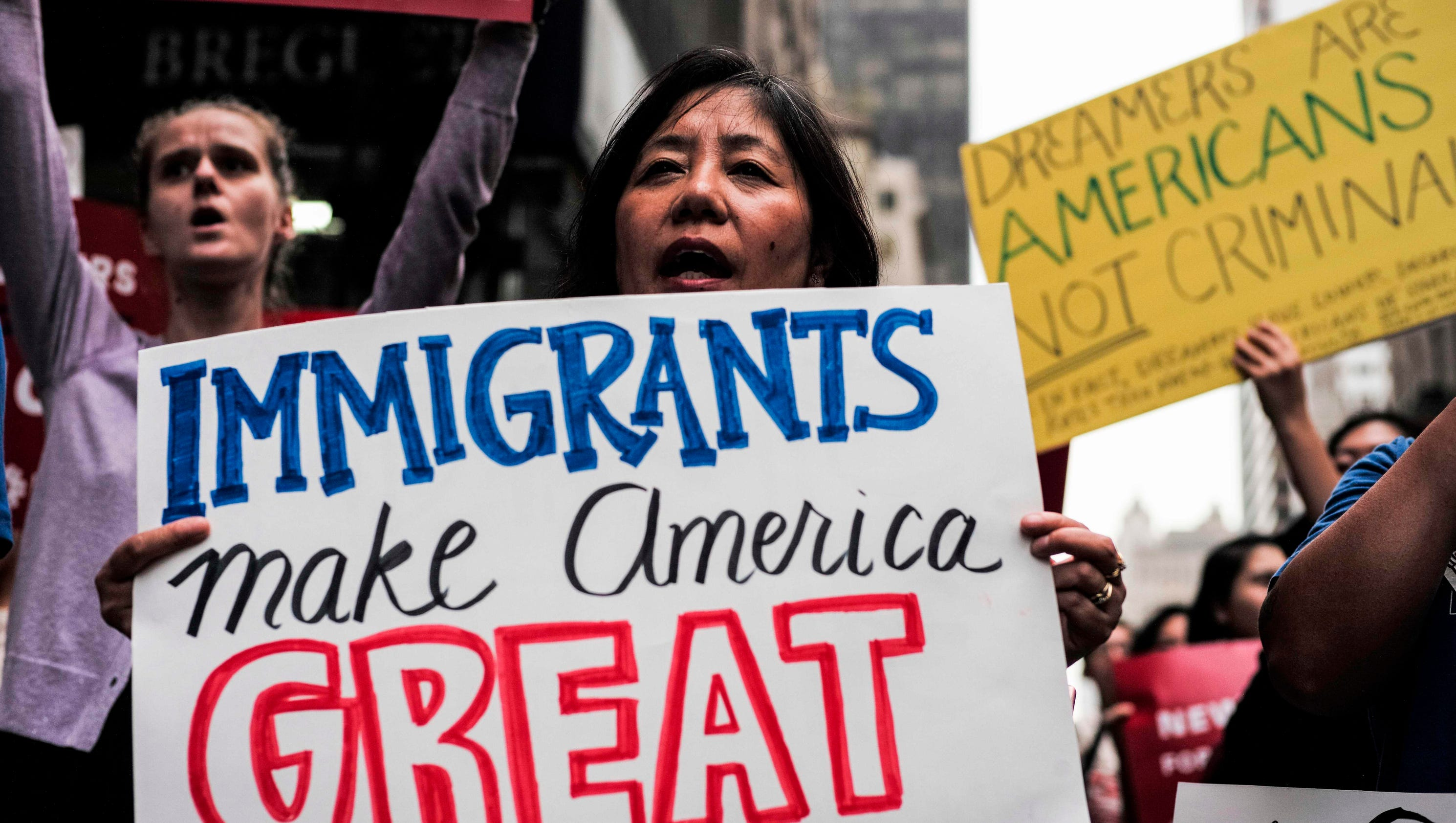 White House Immigration Overhaul Plan Draws Fire From All