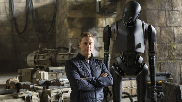 Alan Tudyk on set with his 'Rogue One' droid character