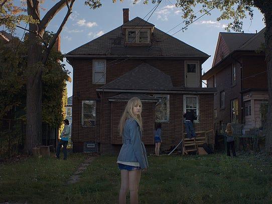 Maika Monroe stars in 'It Follows.'
