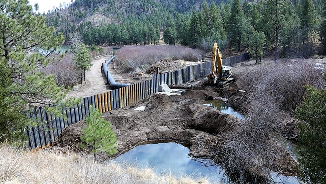 After a rain setback, the clean up of Bonito Lake is again moving forward. The river has been diverted to the temporary pipeline and no water is entering into the lake. Water levels are dropping.