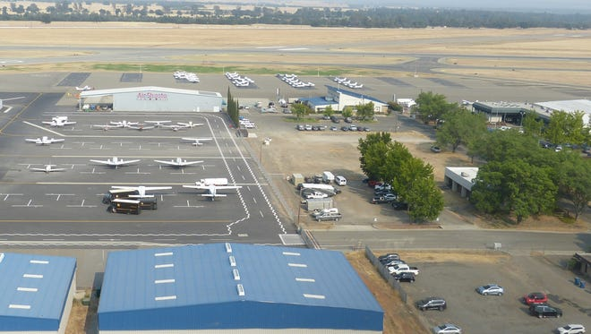 United Airlines and the city of Redding announced there will be a nonstop flight from Redding Municipal Airport to Los Angeles International Airport.