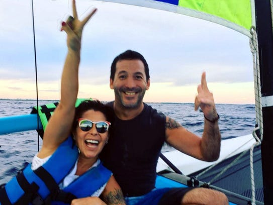 Alejandra Guzmán tomó unas vacaciones con algunos amigos.