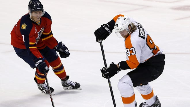 Jake Voracek leads the Flyers in points with 15 points.
