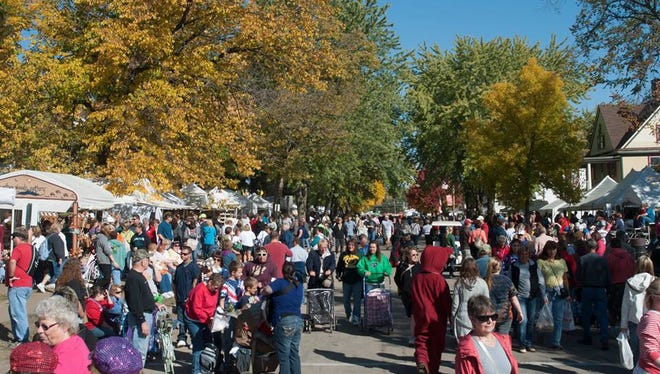 Over the three days the Warrens Cranberry Festival occurs, you'll enjoy a parade, marsh tours, plenty of shopping and fabulous food.