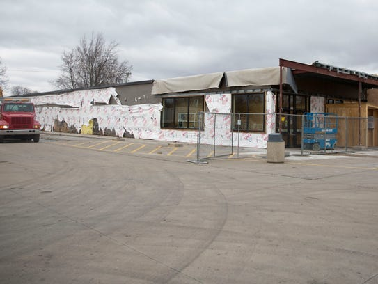 Construction crews continue to work on ALDI's Muncie