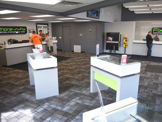 Phone-N-Fix located at 1604 West 41st street Sioux