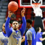 Kentucky's Tyler Ulis works on his free throws during practice. Marc. 16, 2016