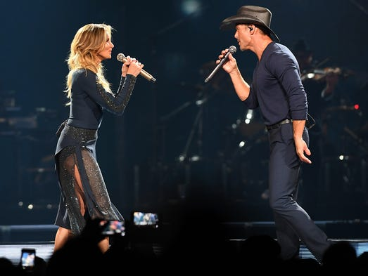 Faith Hill and Tim McGraw perform at the Prudential
