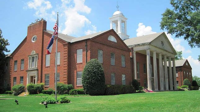 Is Hernando one of the snobbiest places in Mississippi? One list says so.