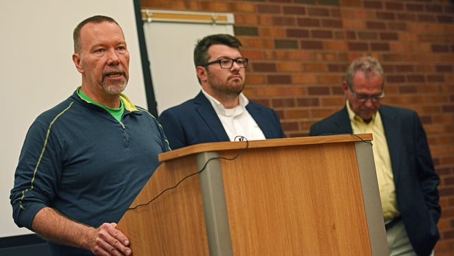 Steve Hildebrand, a sponsor of Initiated Measure 21, speaks during a press conference urging people to research the ballot initiatives and vote their conscience Monday, Oct. 3, 2016, at the Downtown Branch of the Siouxland Libraries in Sioux Falls.