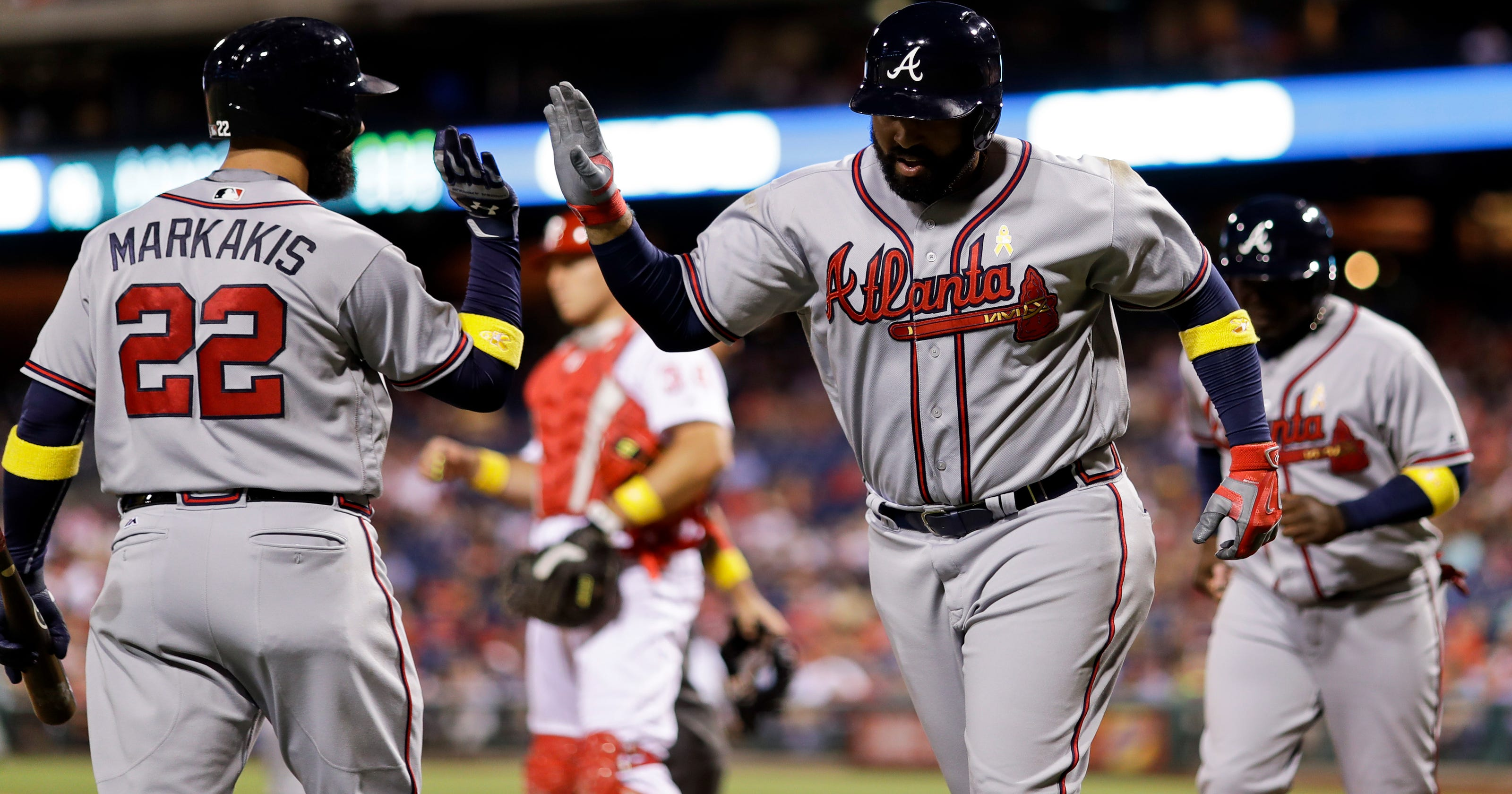 size 40 69e74 026ea Matt Kemp, Freddie Freeman lead Braves past Phillies 8-4