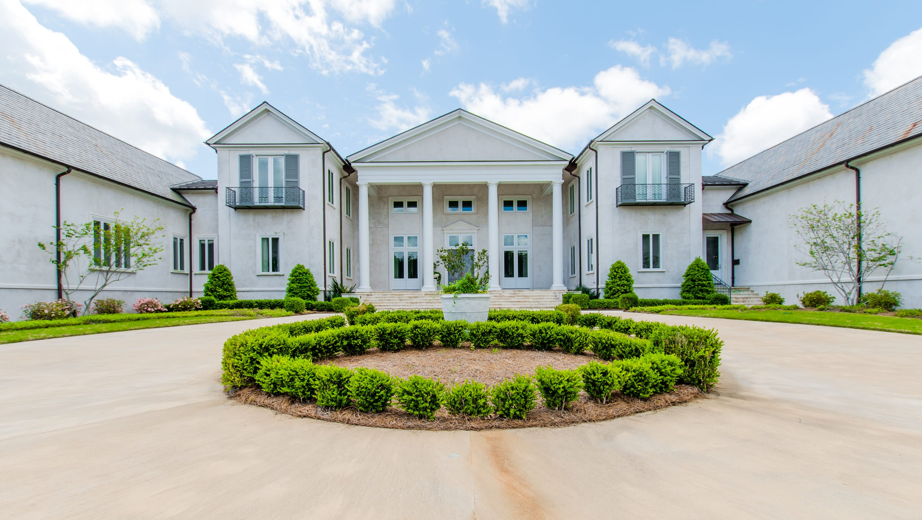 40 meadowbrook lake drive gallery for Home builders in mississippi